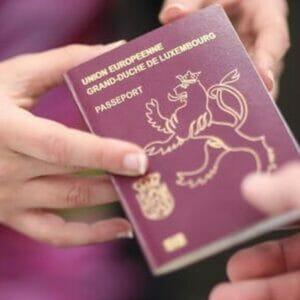 Luxembourg-Passport-shopfakenotes